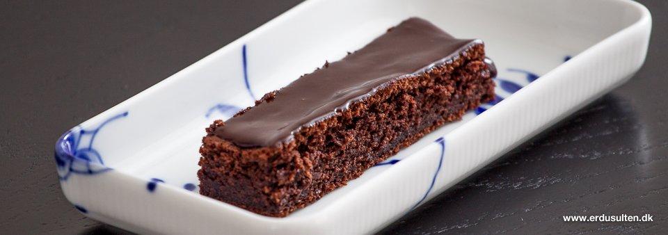 chokoladekage i bradepande opskrift