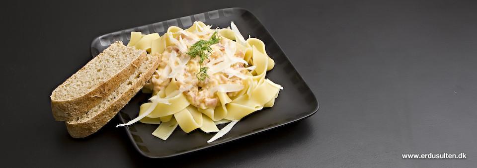 Billede af pasta med fløde og parmaskinke